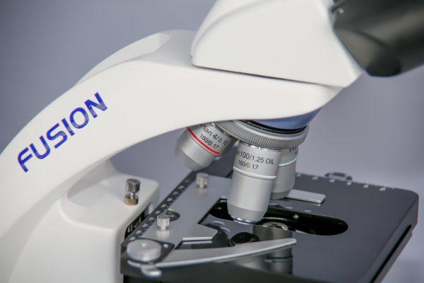 Микроскоп MICROmed Fusion FS-7620 (планахроматические объективы)