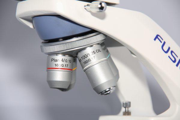 Микроскоп MICROmed Fusion FS-7630 (планахроматические объективы, автономное питание)